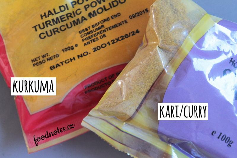 Rozdíl v barvě mezi kurkumou a kari