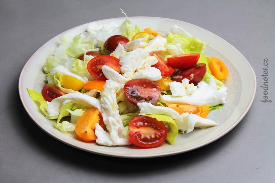 Jak udělat velký salát k obědu nebo večeři?