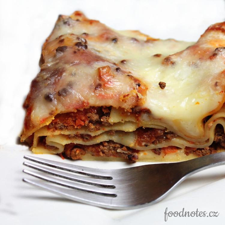 Recept na domácí lasagně s boloňským ragú