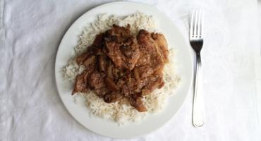 Vepřové maso s houbovou omáčkou, jednoduchý recept