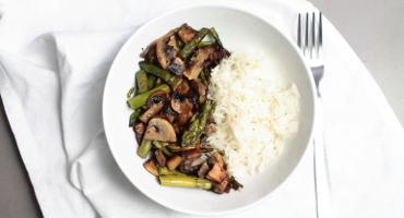 Jednoduchý recept s chřestem - směs chřestu, žampionů a slaniny