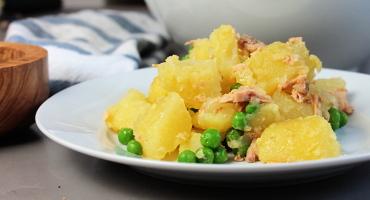 Jednoduchý bramborový salát s tuňákem, základní recept