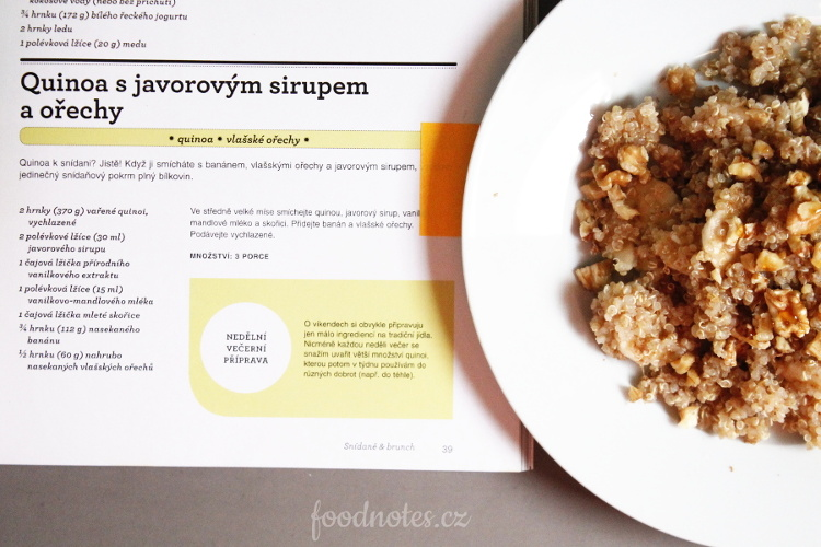Quinoa nasladko s banánem, ořechy a medem