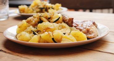 Skvělá příloha z brambor - cuketové brambory