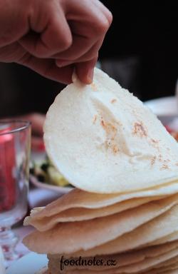 Latisnkoamerická tortilla - placka z kukuřičné mouky