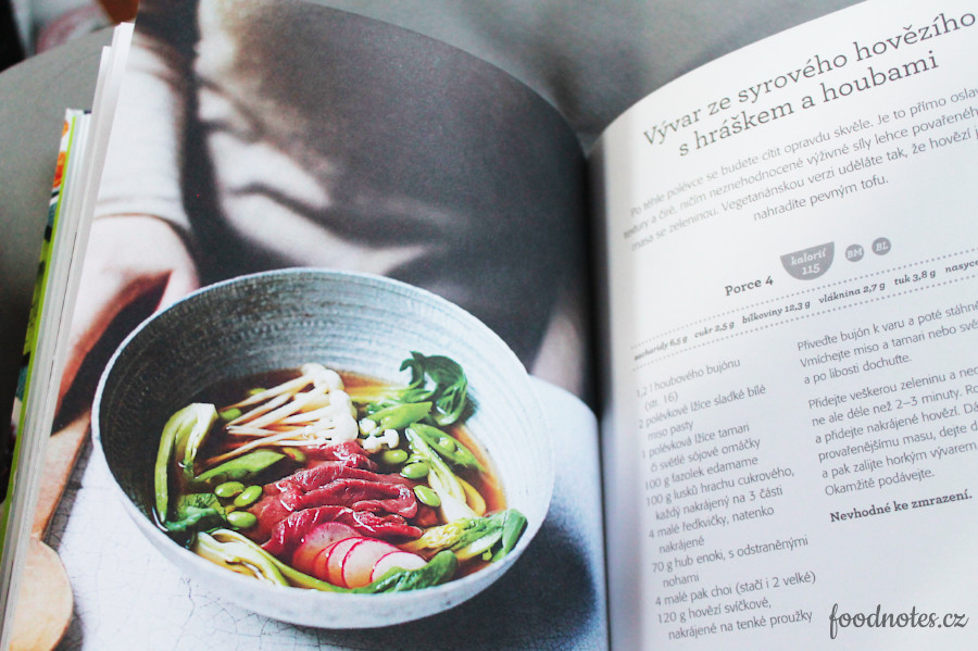 Recenze kuchařky Polévková mánie - skvělá kuchařka zaměřená na polévky