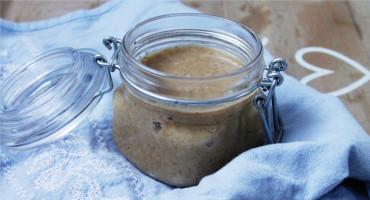 Recept na domácí máslo z vlašských ořechů