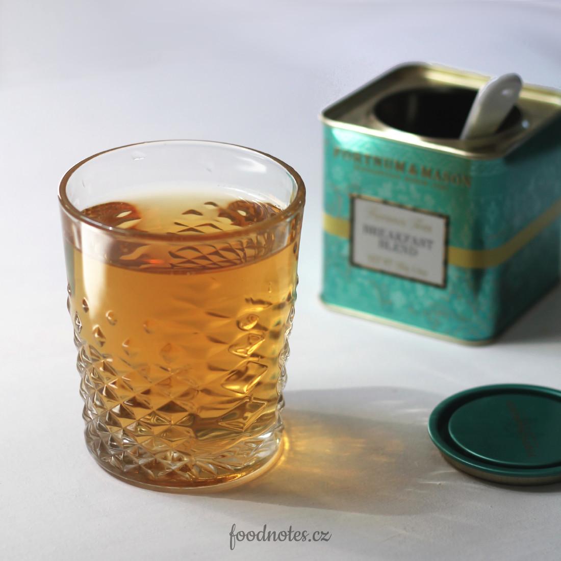 Recept na ledový černý čaj typu cold brew