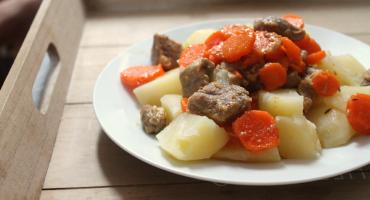 Maso s mrkví, recept na přípravu v papiňáku