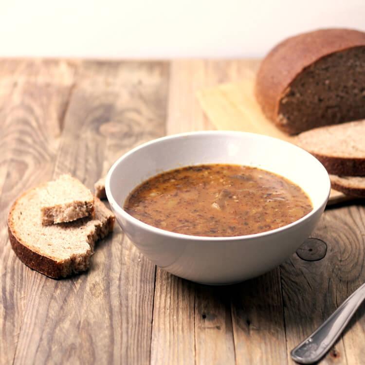 Falešná dršťková polévka z hlívy ústřičné (jednoduchý recept)