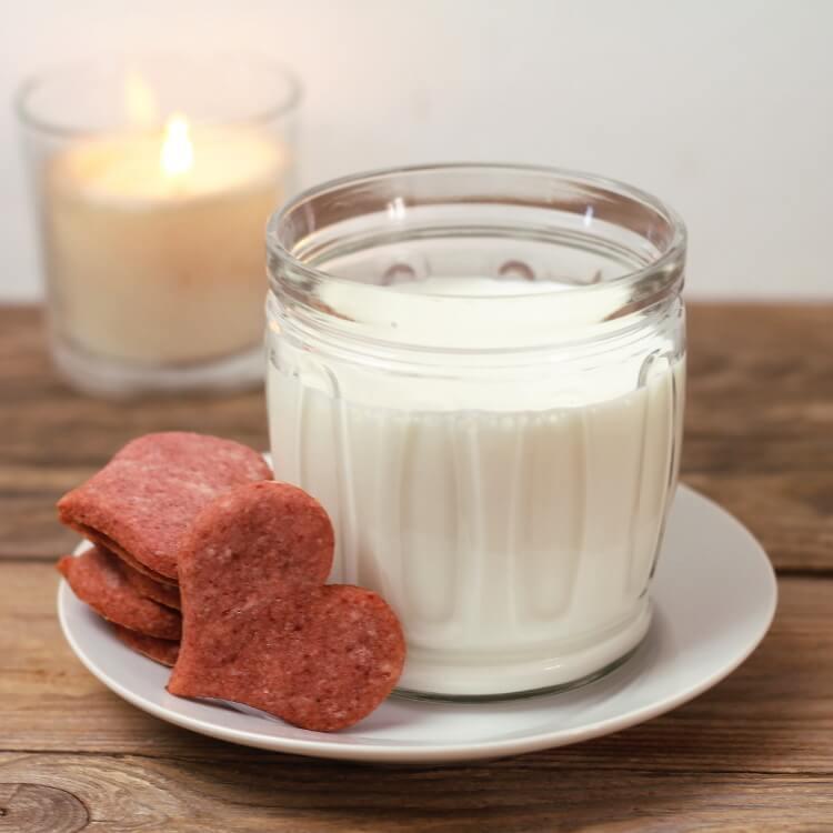 Jednoduché růžové sušenky s řepou a ovesnou moukou