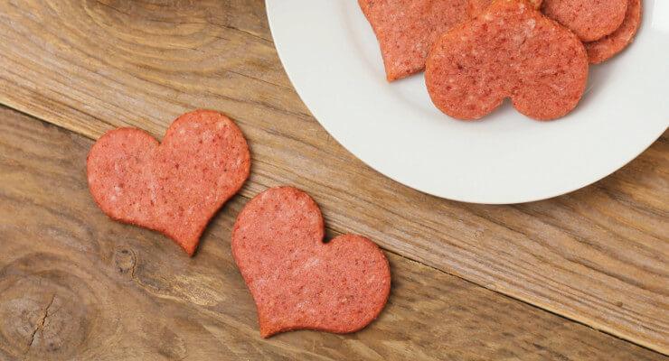 Jednoduché růžové valentýnské sušenky z řepy