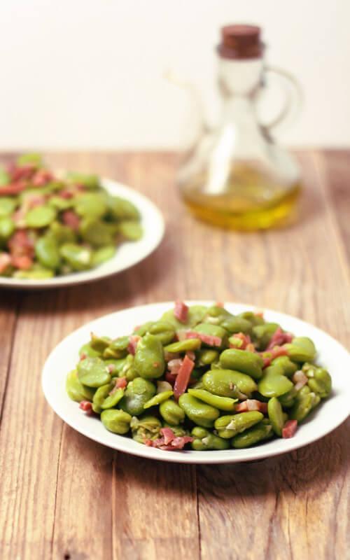 Fazole fava (habas) s jamonem - jednoduchý recept na španělskou tapu