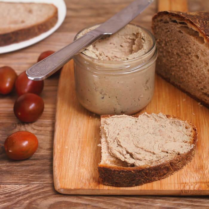 Jednoduchý recept na skvělou domácí játrovou paštiku