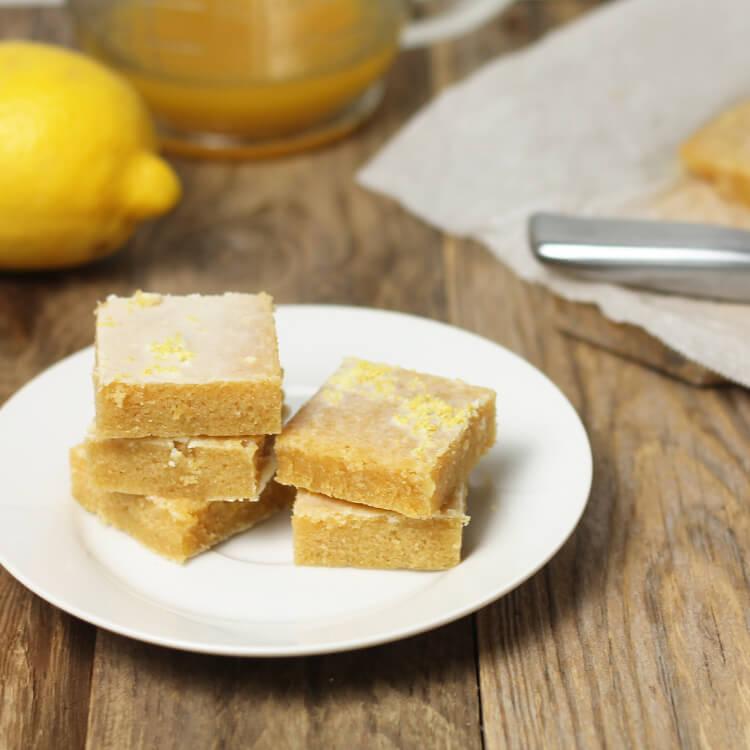 Hutné citronové řezy - citronové brownies - jednoduchý recept