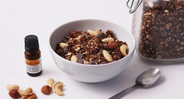 Domácí čokoládová granola s kokosem a kapkou pomeranče
