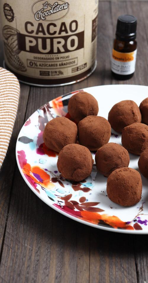 Recept na jednoduché čokoládové lanýže s pomerančem - připravené s pomerančovým esenciálním olejem