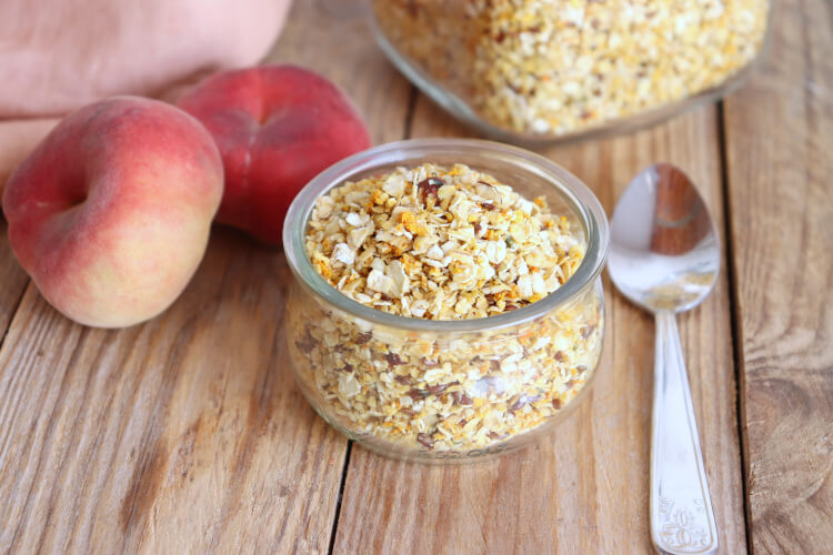 Jednoduchá domácí granola s maandarinkovým a citronovým esenciálním olejem
