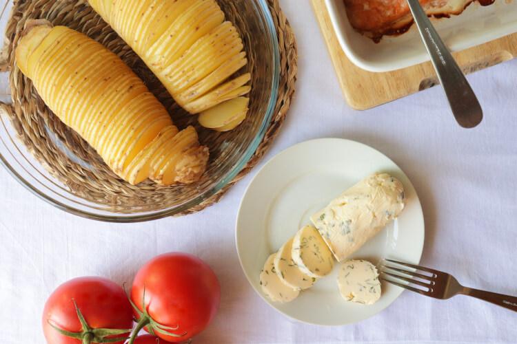 Recept na bylinkové máslo k rybě, masu nebo bramborům s esenciálními oleji citronu a pepře